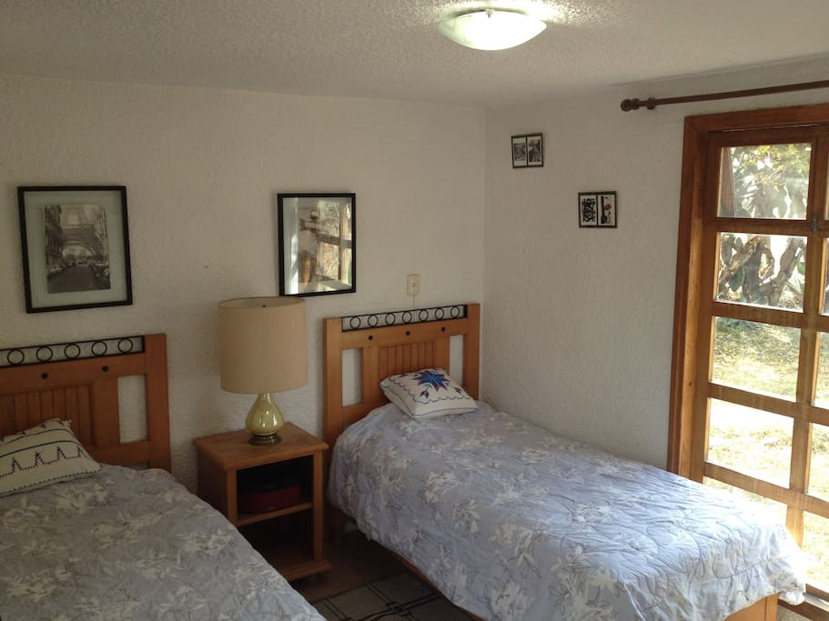 Doble single beds / Camas individuales