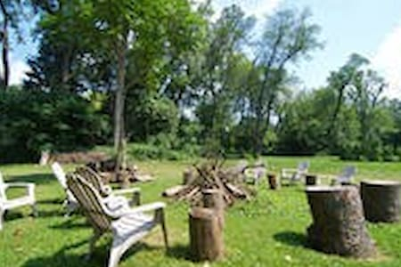 Camping on wooded 1 acre lot - Namiot