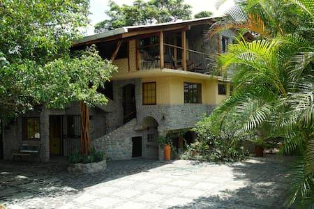 Casa Di Pietra - Anton Valley