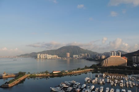 Great size 2 bedroom flat on marina/coast - Hong Kong - Flat