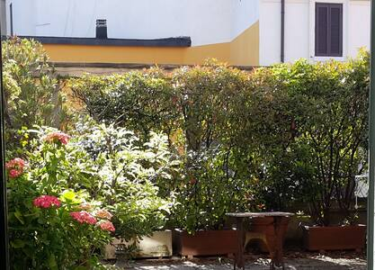 In the city centre with a terrace - Milan - Appartement