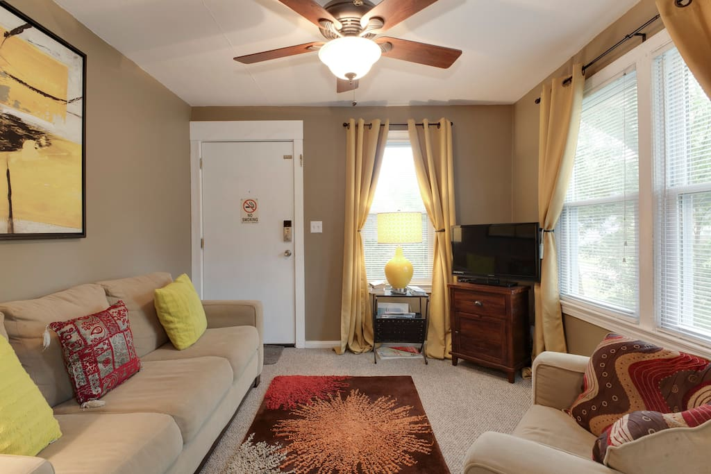 Cozy Fully furnished apartment.