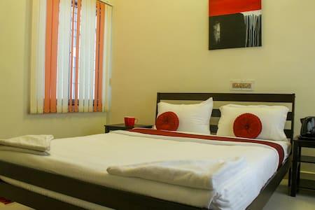 Bed And Breakfast near Shankara Nethralaya - Chennai