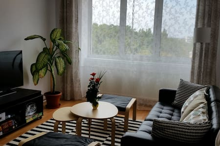 Room type: Entire home/apt Property type: Apartment Accommodates: 4 Bedrooms: 3 Bathrooms: 1