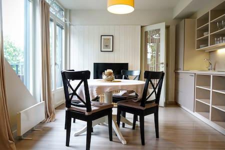 Lagoon-view apartment with balcony! - Preila