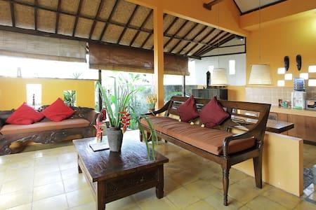 2BR Balinese Cottage with Pool - Ubud - House