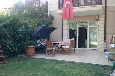 Lovely home with garden in Cayyolu - Yenimahalle