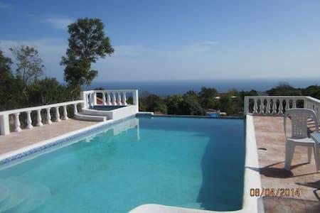 Santai Villa Hibiscus/Guest house - Casa de campo