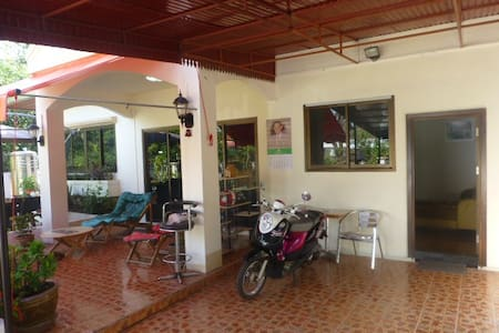 1  double Bedroom with  living room Villa  Kitchen - Udon Thani - Villa