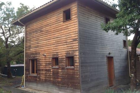Maison bois Lège - 단독주택