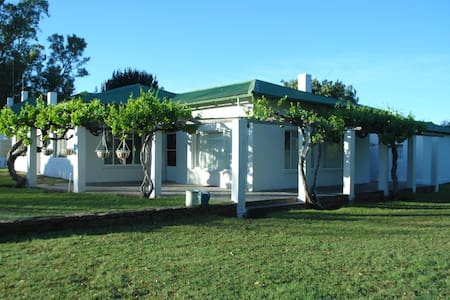 Cozy House on Beautiful Karoo Farm - Huis