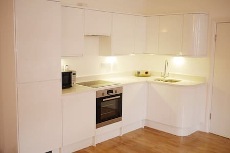 Modern flat in Oxford Circus!