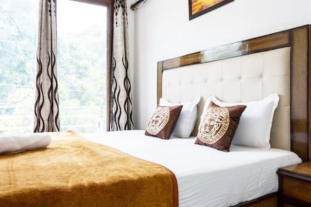 Classic 1 Bedroom @ Greater Kailash - Apartment