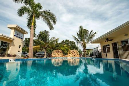 Island Cay Resort - 2 Bedroom
