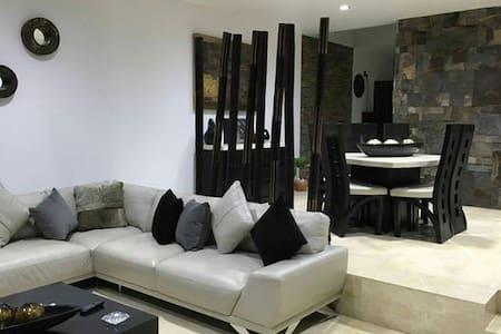 Habitaciones en casa de lujo - 瓜达拉哈拉 - 独立屋