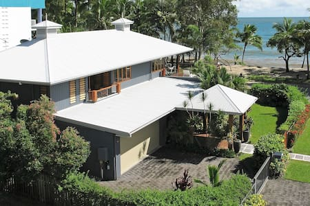 Reeflections Beachfront House - Clifton Beach - Dom