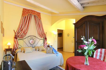 TUSCAN ROMANCE - MONTECARLO Lucca - Montecarlo - Bed & Breakfast