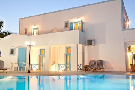 Villa Pelekanos - Karterados