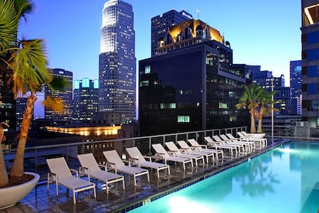 Your own private Apartment with an IN-UNIT WASHER and DRYER, a FULLY functional KITCHEN  , Located 3 mins from LA Live, Staples center (i walk :-)), Standard hotel, Bonaventure Hotel, Perch. All within 4 blocks radius. U will love it here.