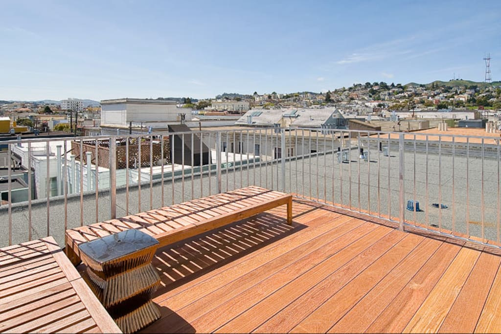 The view from our shared roof-deck is gorgeous! Welcome to a 360 degree tour of SF :)