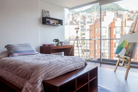 Great view, new, cozy & wifi - Bogota - Apartment