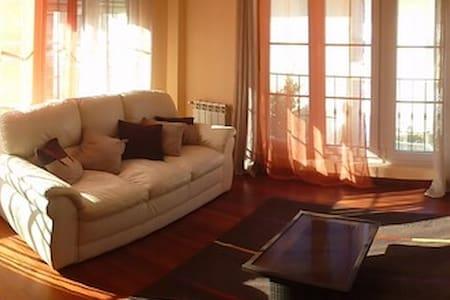 Apto de 55 m2. amueblado - Apartment