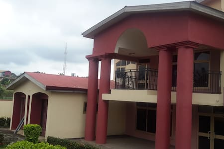 7 Room house, Self contained - Casa