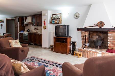 Appartamento a Taviano Economico - Taviano - Apartment
