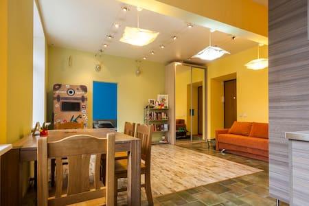 Great apartment, best location!