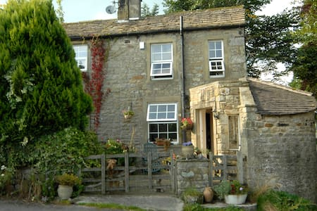 2 bed cottage, hebden, north yorks. - Casa