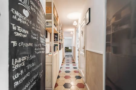 Comfortable and refined double room in a newly renovated apartment in Pigneto , central , well connected and full of bars , restaurants and everything you want in Rome Internet and Sky TV available . gay friendly