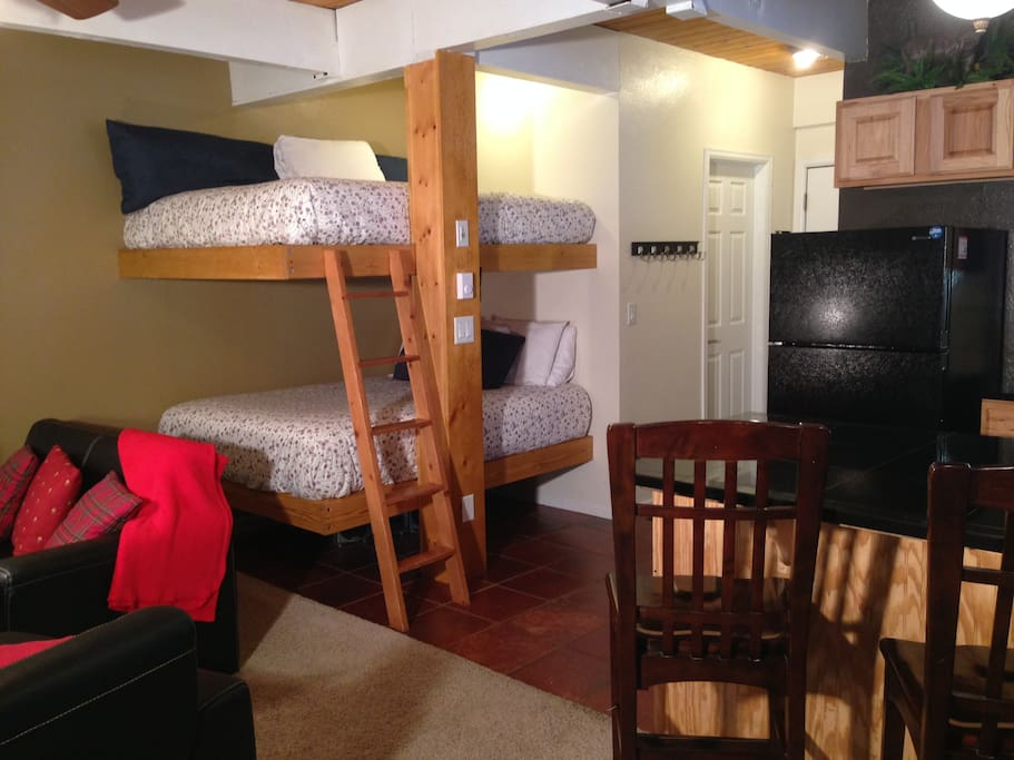 Double size bunk beds, your on vacation no working with Mr. Murphy (bed) in this condo.
