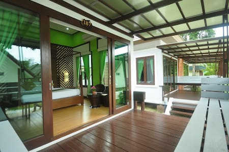 Intimate Bungalow on Phi Phi Island - Bungalow