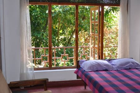 The Candy Villa in Kandy 2 - Kandy - Bed & Breakfast
