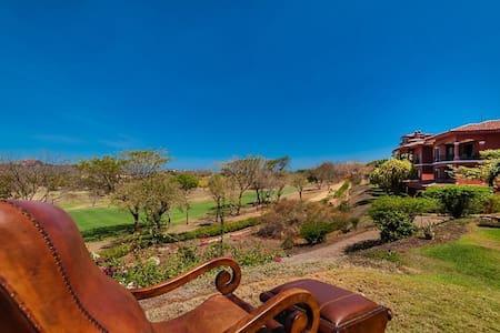 Bougainvillea Luxury 3BR, Costa Rica. Sleeps 7! - Ortak mülk
