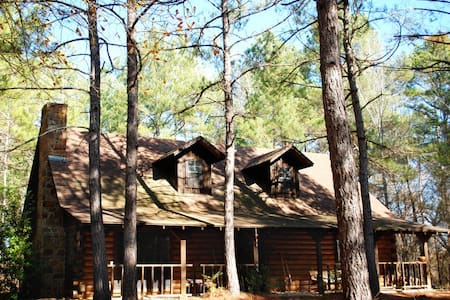 Retreat in the Pines - Cabin