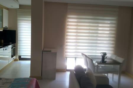 Smart studio in Granada - Alanya - Apartamento