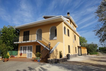 B&B Il Castello -Triple room - Bed & Breakfast