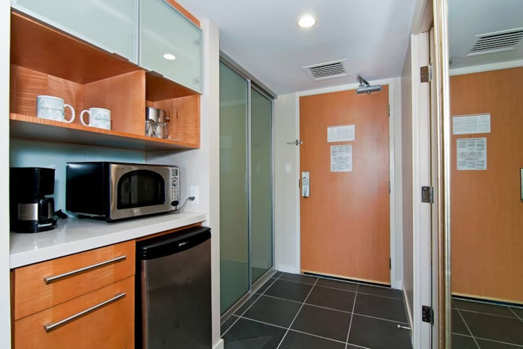 Top of the line kitchenette