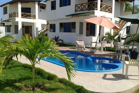 Casa de Playa Punta Sal c/piscina - Punta Sal