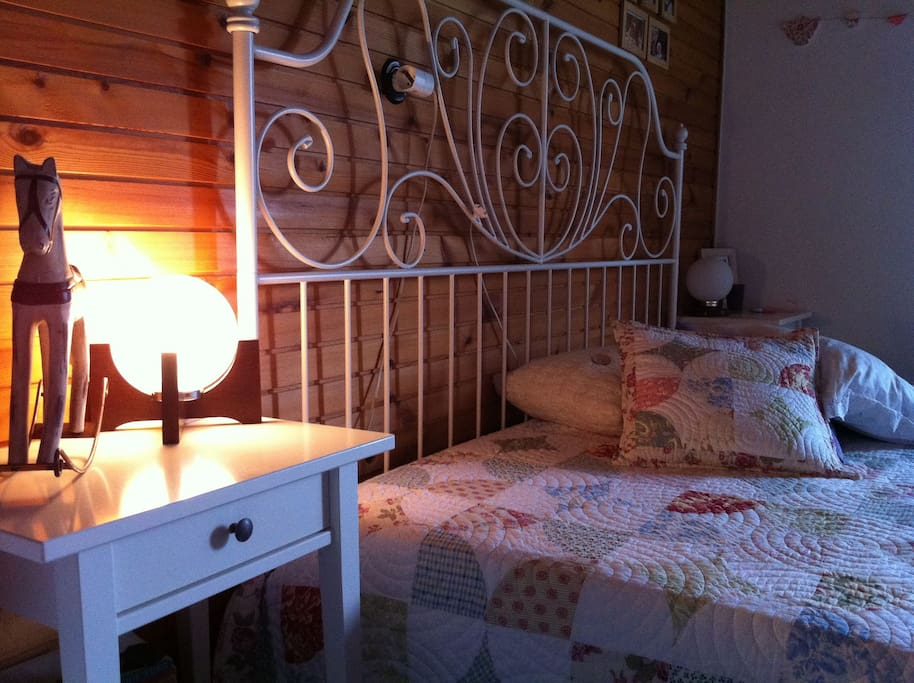 The Master Loveroom ;) / Bedroom in the Juliana's lavender room.