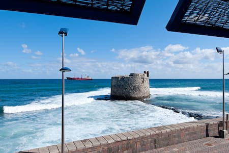 """IN FRONT OF THE ATLANTIC & CASTLE"" - Las Palmas de Gran Canaria"