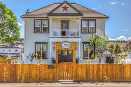 Crooked River Inn - Prineville - Bed & Breakfast