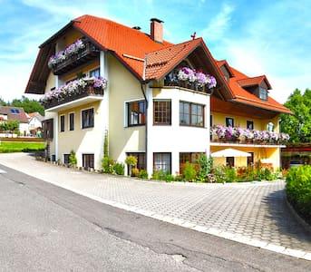 Gästehaus am Sonnenhang - Sonnen FeWo - Pension