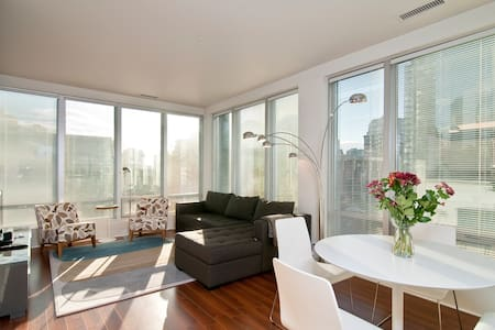 Bright, Downtown, City Living - Apartment
