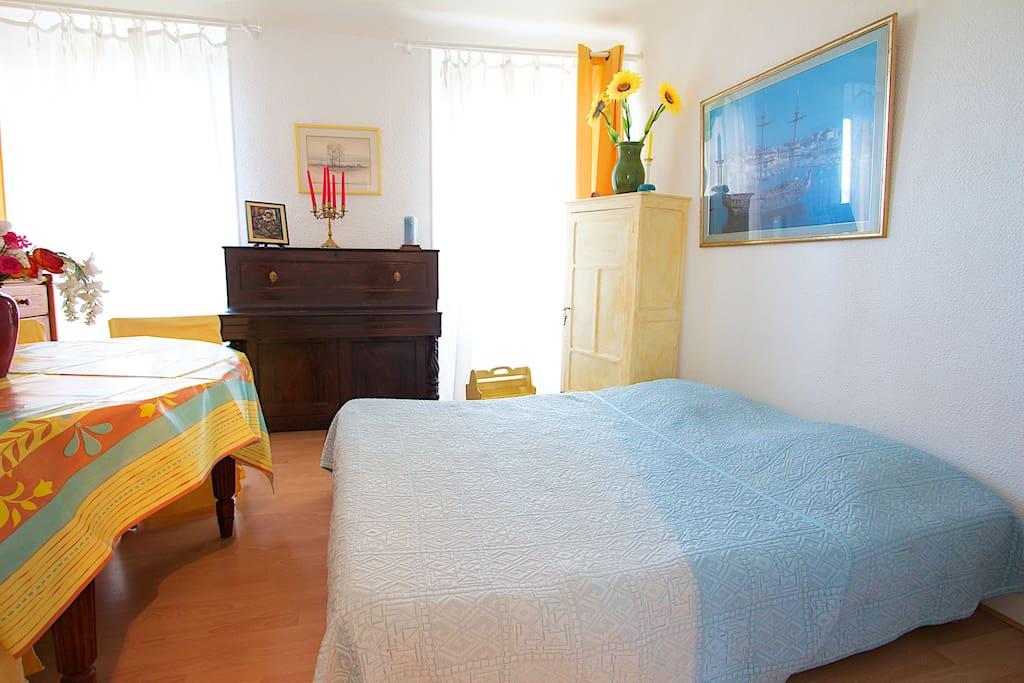 Séjour transformable en 2° chambre avec vue sur le Chateau du Suquet