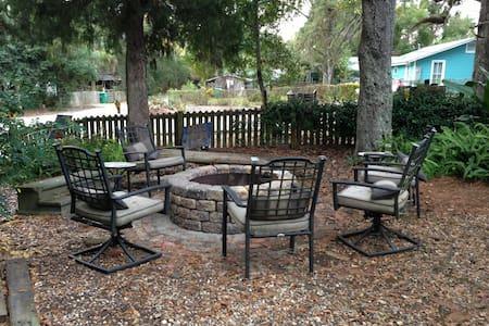 Apalachicola retreat in Paradise