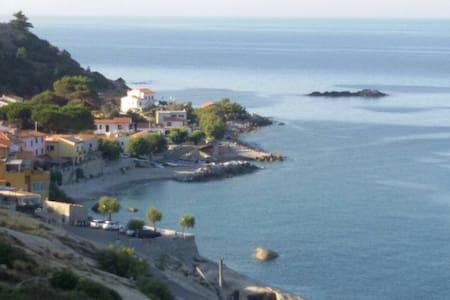 "Casetta ""MonteMare"" Elba Pomonte - BlueWaterPrice - Pomonte - House"