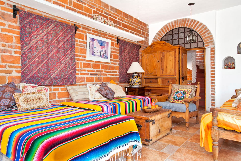 Casa Alegria: Bright Apartment