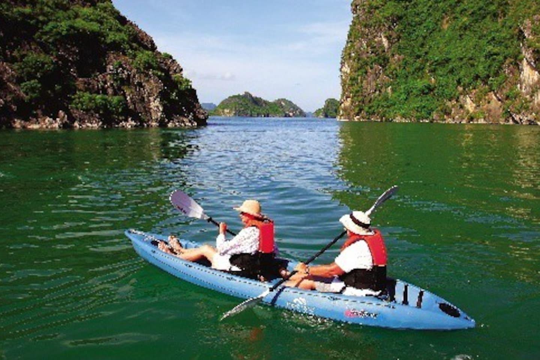 Bai Tu Long Bay Junk